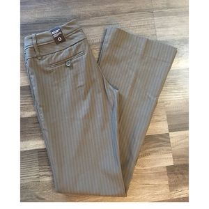 The Limited Exact stretch classic flare size 0 NWT